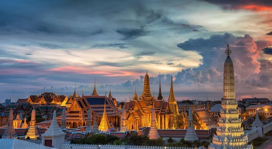 grand palace bangkok wat phra kaew thailand night