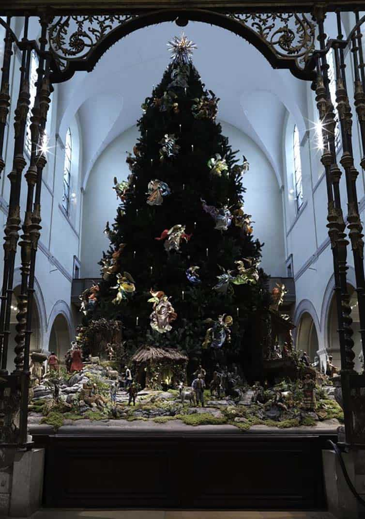 Creative Christmas Tree 2015 - Metropolitan Museum of Art - New York City - USA