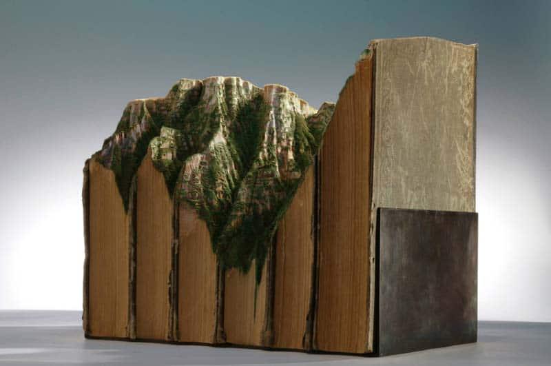 Guy Laramee - Book Carver - Librarian s Worst Nightmare 07