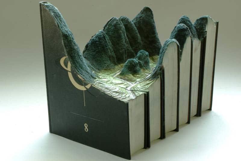 Guy Laramee - Book Carver - Librarian s Worst Nightmare 12