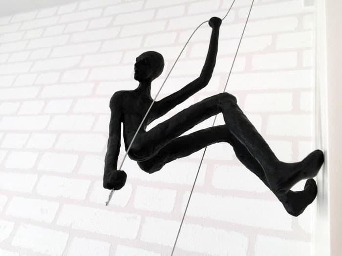 Climbing Man Wall Sculpture - Tanop Wichyanundh